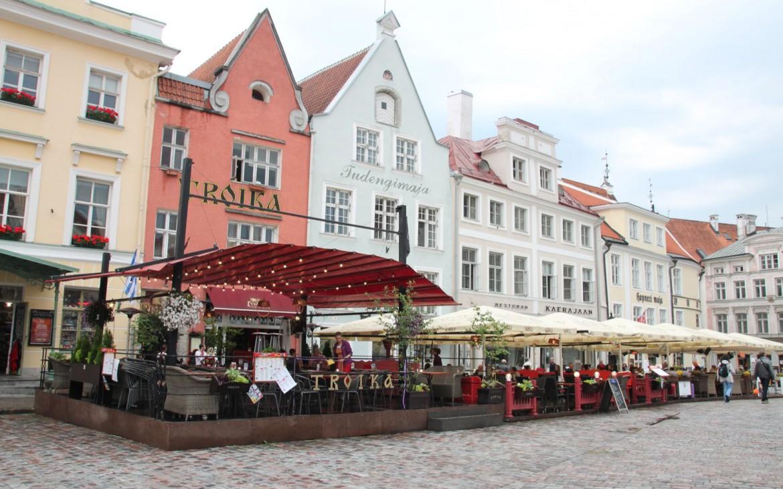 Cafés auf dem Rathausplatz Tallinn