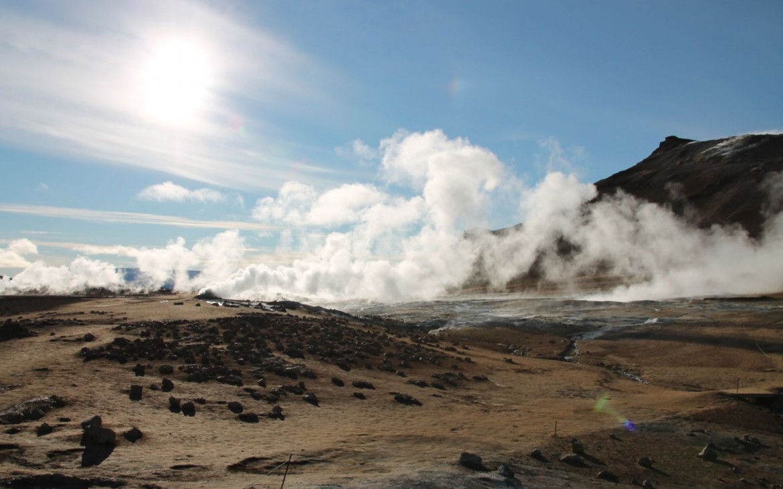 Heiße Quellen am Fuße des Vulkans Námafjall
