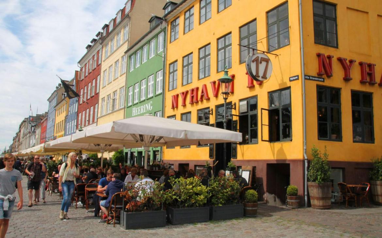 Cafes und Restaurants Nyhavn