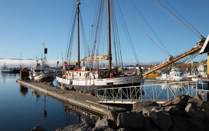 Schiff Walbeobachtung Husavik