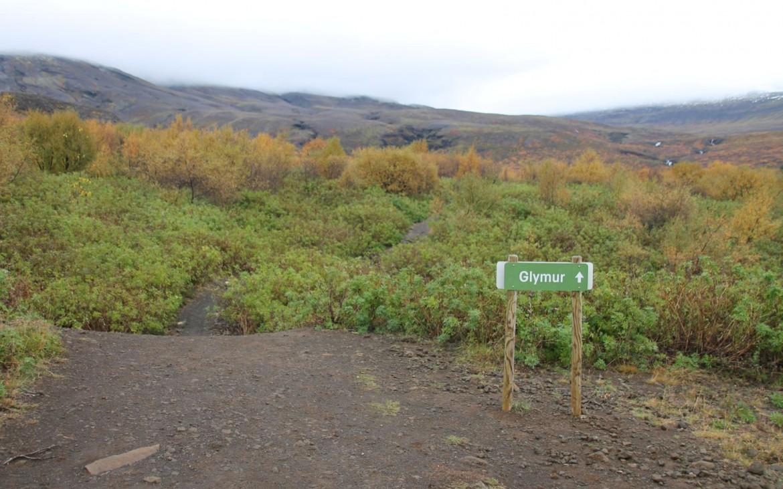 Wanderweg zum Glymur Wasserfall in Island