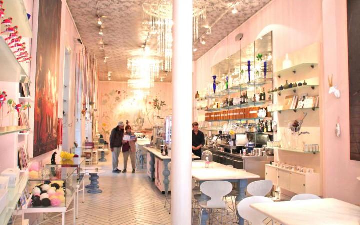 Royal Smushi Café von Innen